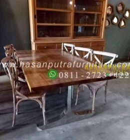 Set Meja Makan Trembesi Antik