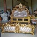 Tempat Tidur Ukir Emas Luxury